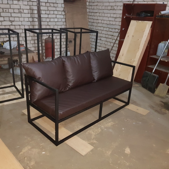 Диванчик и кресло